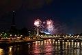 Flickr - Whiternoise - Bastille Day Fireworks, 2010, Paris.jpg