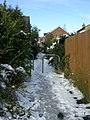 Footpath - Highfield Close - geograph.org.uk - 1153113.jpg