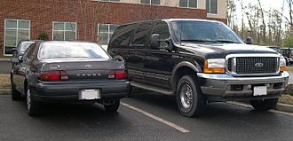 Ford Excursion - Ford Excursion Limited next to 1992–1996 Toyota Camry