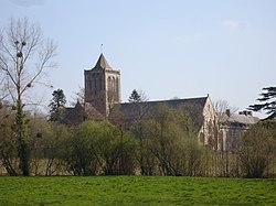 France Manche abbaye lucerne de loin