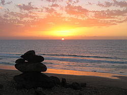 Fuerteventura sunset leftrocks.JPG