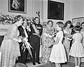 Galadiner in de Ambassade van Oostenrijk . Koningin Juliana, Scharf, Dr. G. Afus, Bestanddeelnr 912-4942.jpg