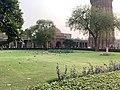 Garden in Qutub Complex.jpg