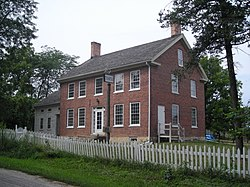 Garfield Farm and Tavern (St. Charles, IL) 01.JPG
