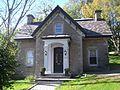 Gatekeeper's Lodge of the Hugh Allan House, called Ravenscrag 01.jpg
