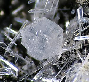 Georgiadesite-Paralaurionite-82798.jpg
