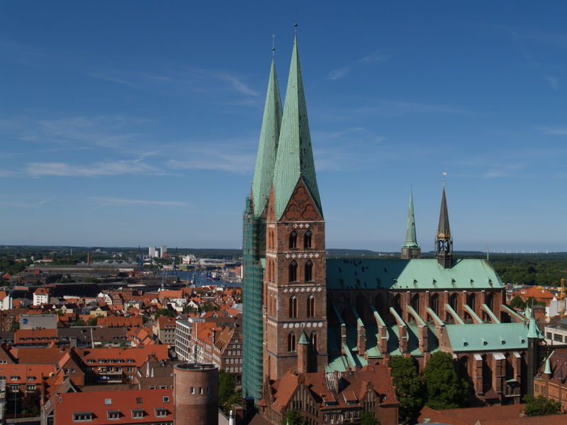 http://upload.wikimedia.org/wikipedia/commons/thumb/c/c9/Germany_Luebeck_overview_north.jpg/800px-Germany_Luebeck_overview_north.jpg