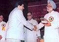 Ghanshyam-Sarda-receiving-award-from-Honble-Prime-Minister-India.jpg