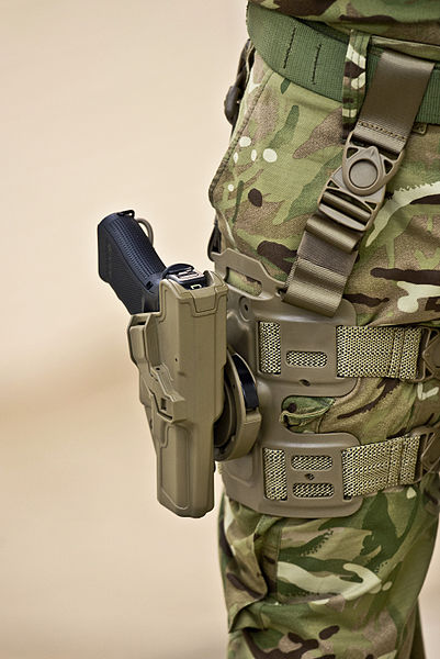 File:Glock 17 in Holster MOD 45154999.jpg