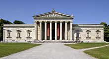 The Glyptothek in Munich, designed by architect Leon von Klenze and built 1816–30, an example of Neoclassical architecture.