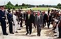 Goh Chok Tong is escorted byDonald Rumsfeld, 2001.jpg