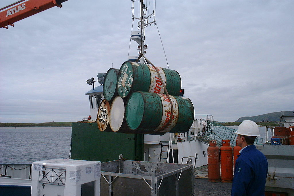 File:Good Shepherd IV loading oil drums at Grutness Harbour.jpg ...