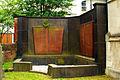 Grabmal Familie Ferdinand Elsbach und Julius Frank Entwurf von Wilhelm Mackensen Jüdischer Friedhof An der Strangriede Hannover.jpg