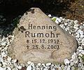 Grabstein Henning Rumohr (1937-2003).jpg