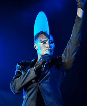 Grace Jones @ Fremantle Parque (17 4 2011) (5648772822). Jpg