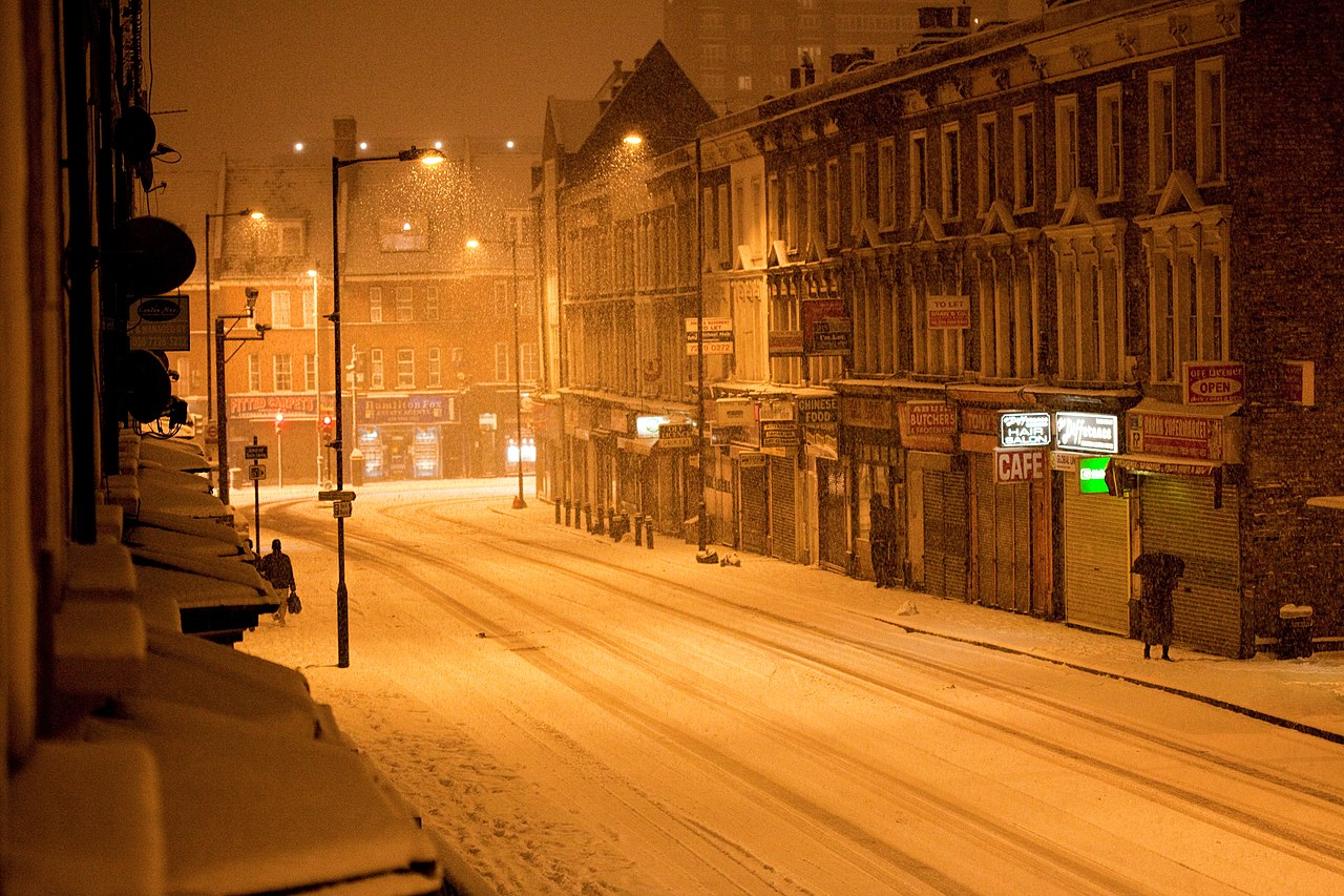 File:Graham Road, London in the snow.jpg - Wikimedia Commons