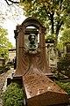 Grave of Émile Zola 2012-10-09.jpg