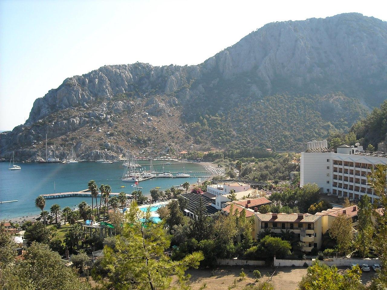 Green Platan Club Hotel And Spa - panoramio - Юрій Хижняк (YuraHiz….jpg