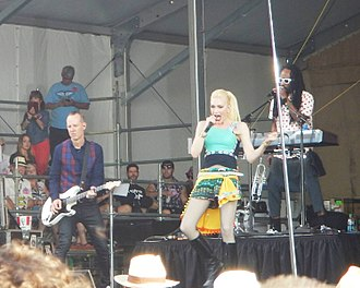 New Orleans Jazz & Heritage Festival - Image: Gwen Stefani performs at NOLA Jazz Fest 2015
