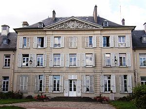 Palaiseau - Image: Hôtelde Ville Parc Palaiseau
