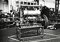 HUA-167256-Afbeelding van een Stork GT4x150 dieselmotor voor een locomotor (serie 200-300) van de N.S. in de centrale werkplaats van de N.S. te Tilburg.jpg