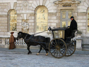 Hansom cab - Hansom cab and driver in a movie set in 1903 London.