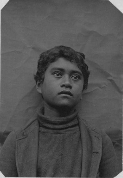 File:Hawaiian Schoolboy (PP-31-1-005).jpg