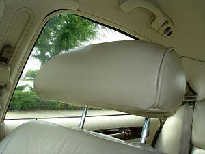 Head restraint - Head restraint in a Lincoln Town Car