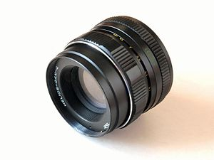 Helios (lens brand) - HELIOS-44M-4 fixed lens made in Russia, the brightness of 2.0 focal length 58mm with thread M42. Designed for analog 35mm SLR mount screw as well as for digital SLR after using the adapter bracket.