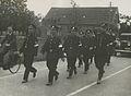 Het detachement van de Politiesportvereniging Arnhem onder leiding van inspecte – F40593 – KNBLO.jpg