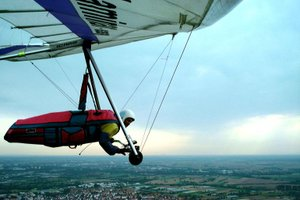 Glider (aircraft) - Modern 'flexible wing' hang glider.