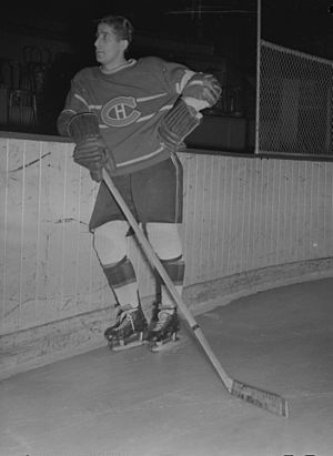 Elmer Lach - Lach in 1945