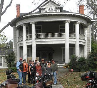 Hope Floats - McCollum-Chapman-Trousdale House in Smithville