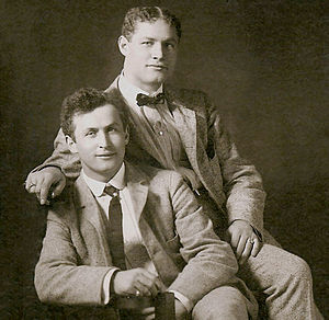 Theodore Hardeen - Hardeen with his brother, Houdini (seated left) c. 1901.