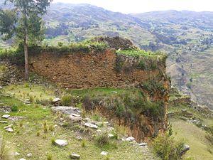 Waruq - Stone structures at Waruq