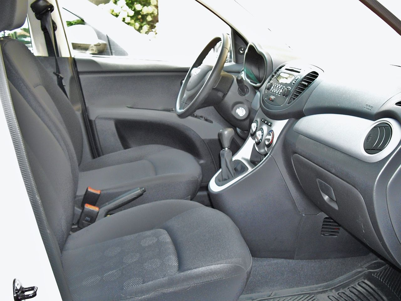 File Hyundai I10 Active Interior Jpg Wikimedia Commons
