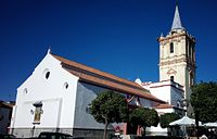 Iglesia Parroquial de San Bartolomé Apóstol, lateral.jpg