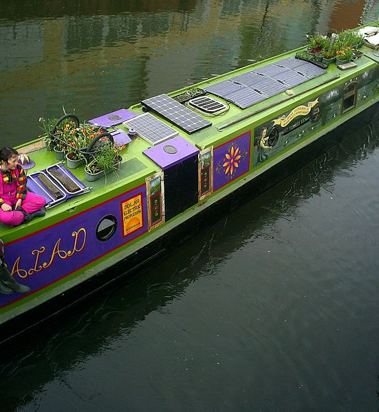 File:Image-A narrow boat in the UK 2.jpg