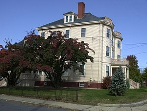 Immaculate Conception Rectory (Revere, Massachusetts) - Image: Immaculate Conception Rectory Revere MA 01