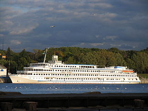 Ivan Bunin river cruise ship (3).jpg
