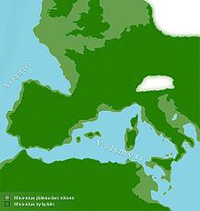 In verde chiaro le terre emerse durante l'ultima glaciazione, in verde scuro la situazione attuale.