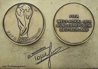 Jan Tomaszewski - Image: Jan Tomaszewski medal & autograph