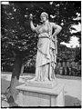 Jardin des Tuileries - Statue de Junon du Capitole - Paris 01 - Médiathèque de l'architecture et du patrimoine - APMH00037492.jpg