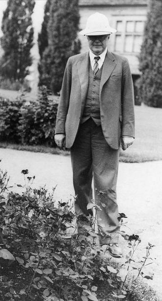 Jens Holmboe (botanist) - Jens at the University Botanical Garden (Oslo) in the 1930s