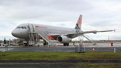 Jetstar a320 VH-VQY at Avalon Airport.jpg