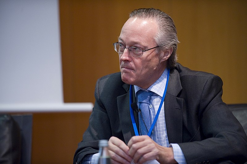 File:Josep Piqué, Chairman, Vueling, at the 2008 Horasis Global China Business Meeting (4708086163).jpg