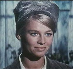Julie Christie in Doctor Zhivago 2.jpg