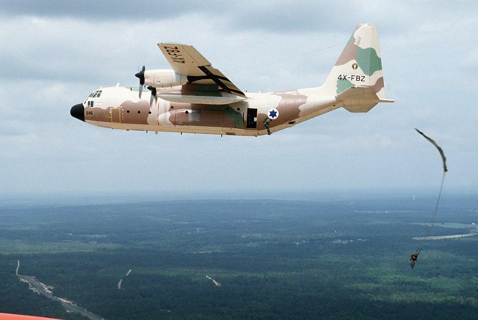 KC-130H Israeli Air Force dropping paras 1987.JPEG