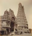 KITLV 92084 - Unknown - Gopuram (tower) in the Minakshi Sundareshvara temple complex in Madurai in India - Around 1870.tif