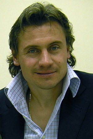 1998–99 Scottish Premier League - The £5.5m transfer of Andrei Kanchelskis to Rangers set a new Scottish transfer record.